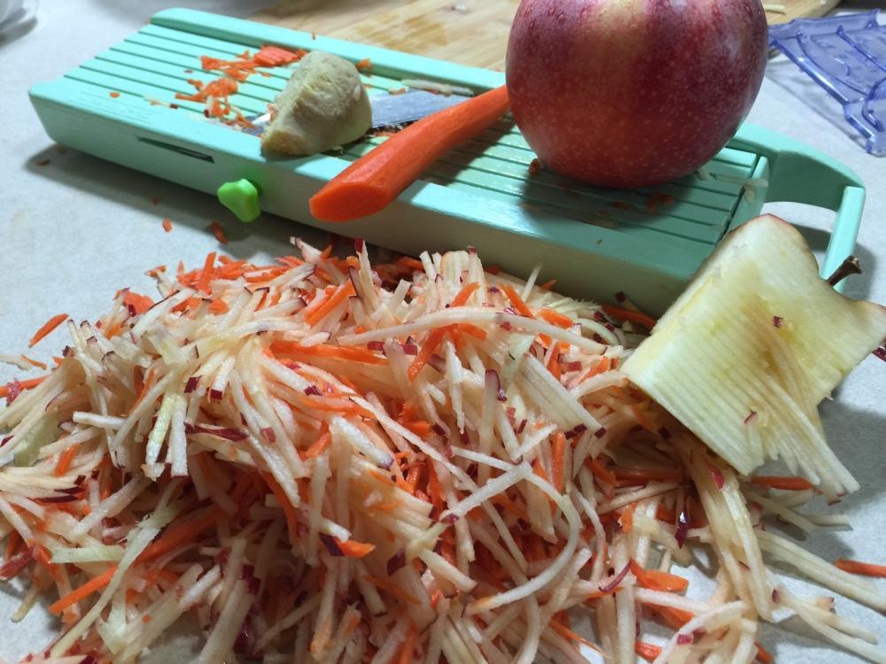 apple-carrot-salad-1