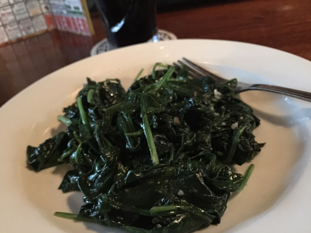 brothers-lounge-spinach
