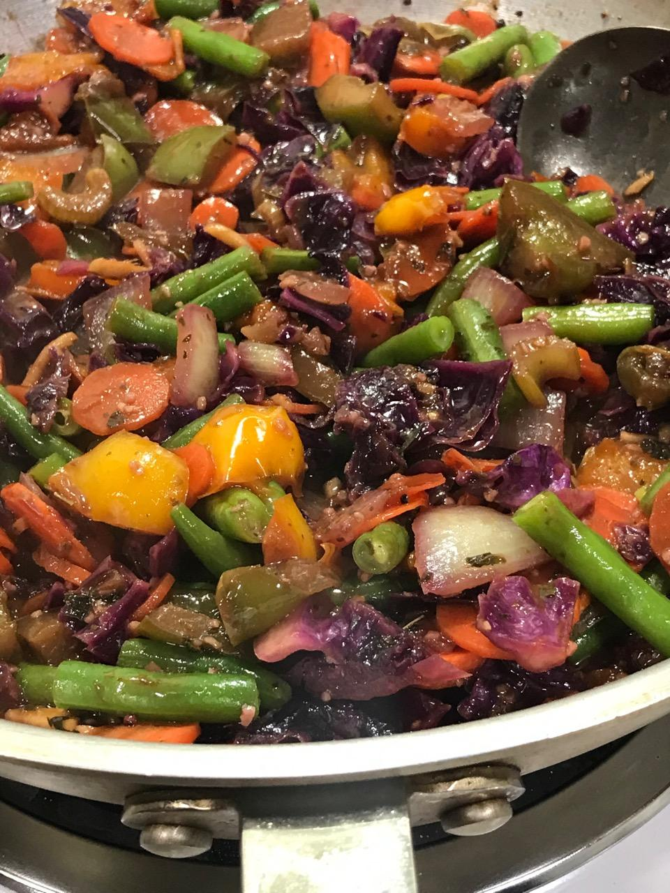 RED CABBAGE AND GREEN BEAN SAUTE